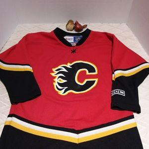CCM Calgary Flames jersey-EUC